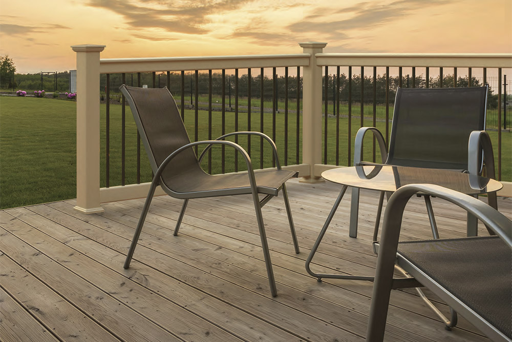 Oxford in clay with round aluminum balusters